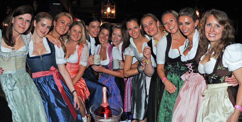 Bratwurst-Biergarten_Bar_1